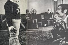 """Фильм """"Усатый нянь"""". Режиссер Владимир Грамматиков и я (за ним) на пробах юных актеров для фильма. Фото из журнала """"Советский экран"""", №2, январь 1977 г."""